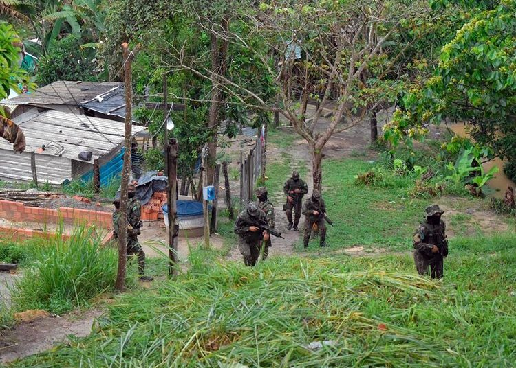 Soldados da 1ª Bda Inf SI patrulham a fronteira entre o Brasil e a Venezuela - Foto 1º Sgt Silveira Silva