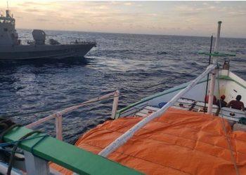 Navio Patrulha Guaratuba, da Marinha do Brasil, realizava patrulhamento na área