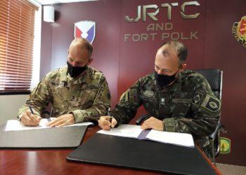 Maj. Gen. Daniel R. Walrath e o Gen. Marcos de Sá Affonso da Costa