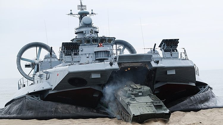 LCAC russo Zubr-class
