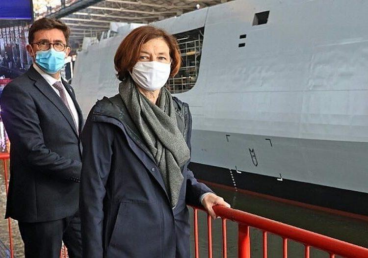 Florence Parly e o CEO do Naval Group, Pierre-Éric Pommellet em Lorient. Foto: François Destoc