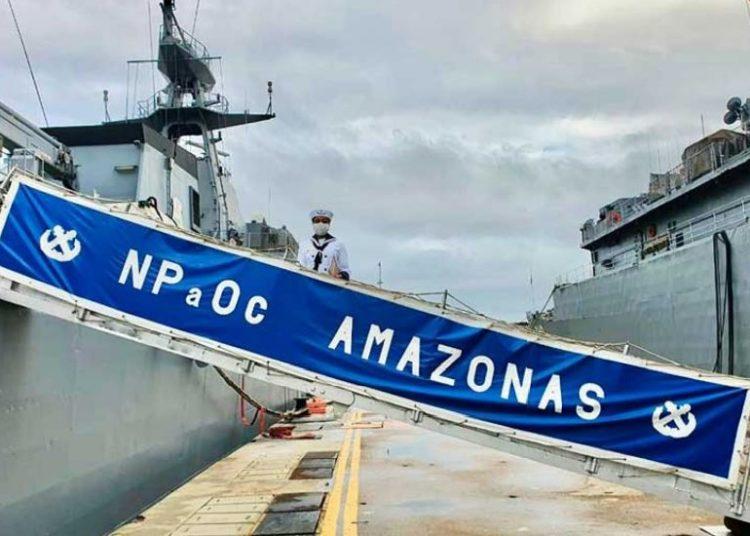 """Embarque da primeira militar na tripulação do Navio-Patrulha Oceânico """"Amazonas"""""""