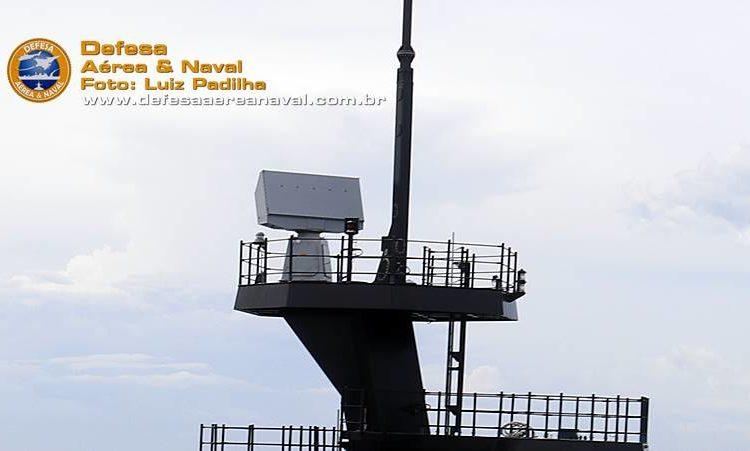Radar HENSOLDT TRS-3D no Cutter USCGC Stone da Guarda Costeira dos EUA