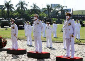 O Comandante de Operações Navais presidiu a cerimônia de  Transmissão de Comando da FFE