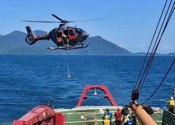 Exercício de VERTREP da aeronave UH-17 do EsqdHU-1