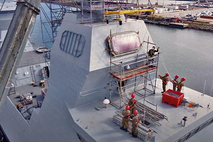 MF-STAR instalado na corveta Sa'ar 6 da Marinha de Israel - foto: IAI