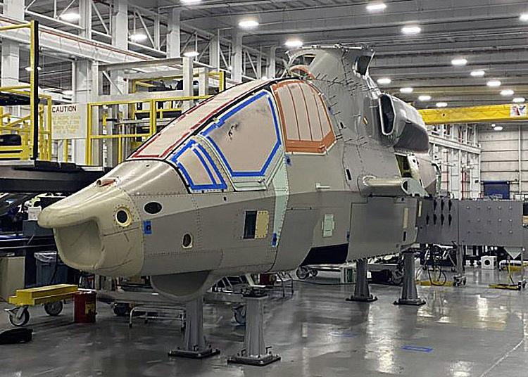 Imagem, lançada em 11 de agosto pelo fabricante, mostra a montagem do Bell 360 Invictus, destacando o progresso que está sendo feito.