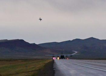 C-130J pousado numa rpodovia no Wyoming - FOTO: Maj. Ashley Walker