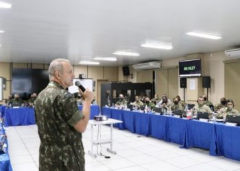Gen Furlan (Cmt Militar da Amazônia) fala durante a conferência (Foto: US Army South)