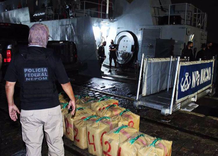 "A droga foi descarrega por militares do NPa ""Macau"" e policiais federais na Base Naval de Natal"