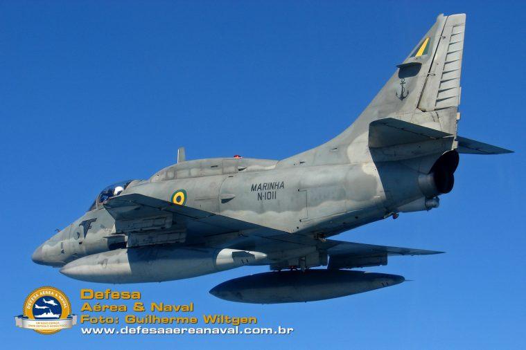 AF-1 N-1011_01