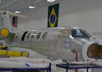 Embraer tem montagem final dos modelos executivo Legacy e Phenom nos EUA (Foto: Arthur Costa/ G1)