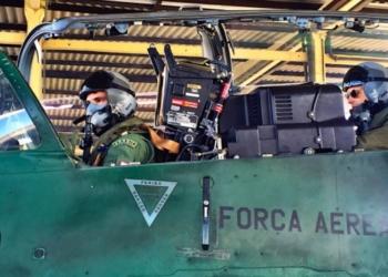 Asp Ottoni se preparando para dar a partida 1° Ten Av Vieira