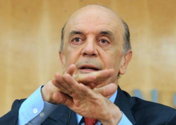 Brasilia- - O candidato  a presidencia da republica, JOSÉ SERRA (PSDB) participa de Sessão Plenária do Conselho Federal da OAB
