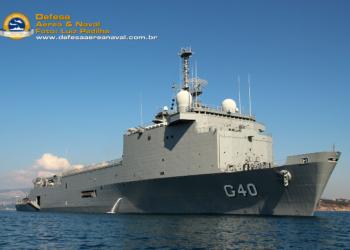 NDM Bahia na área marítima de Toulon, durante o embarque de EDVMs e EDCG.